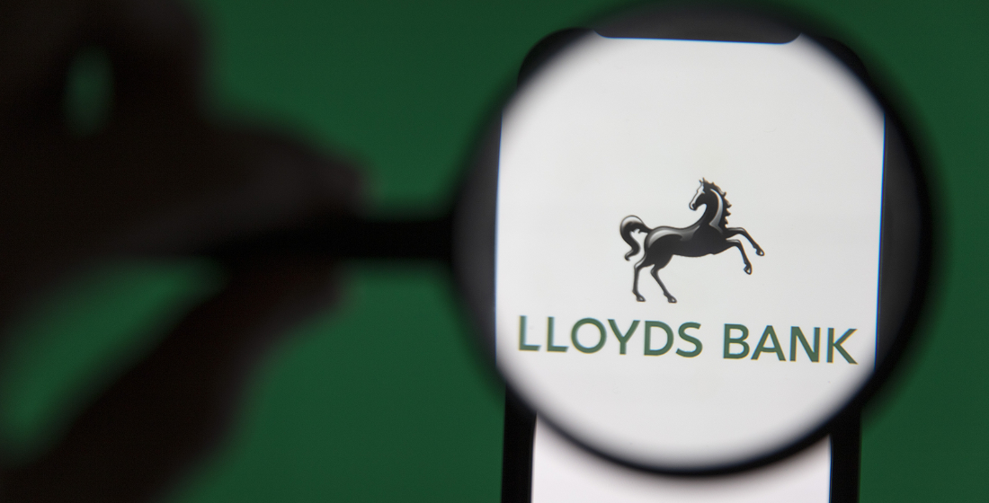 Lloyds Bank teams with StanChart for Asian trade