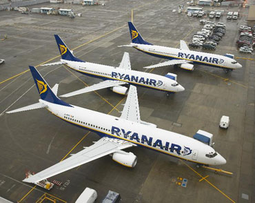 Ryanair places order for up to 200 new Boeing aircraft