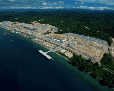 Japanese banks and ECAs sign to finance Indonesian LNG project