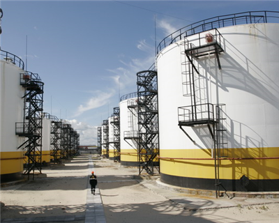 Banks arrange pre-payment for Trafigura's Rosneft deal