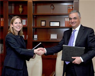 Armenian bank signs debut syndicated loan facility