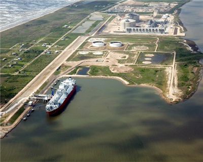 Freeport LNG secures project financing for third and final liquefaction train